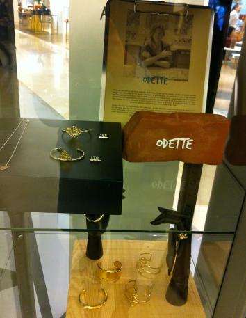 Les bijoux géométriques d'Odette © JITMF