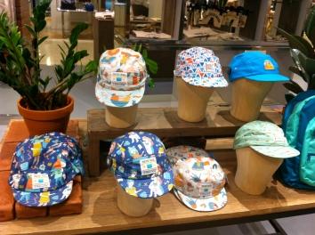 Les casquettes rigolotes de Mokuyobi Threads © JITMF