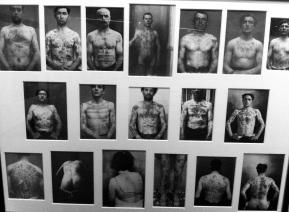 Portraits de voyous, criminels et militaires tatoués, vers 1900